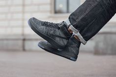 On foot shots coming for the new Air Force 1 Flyknit. First up - Black. Available now. http://ift.tt/1PHmIcU