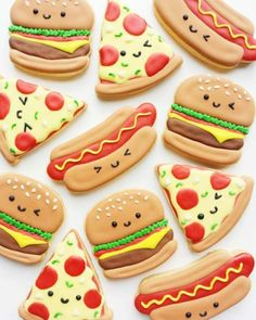 Perfect day for a BBQ! Vickie Liu [CookieCutterKingdom Hamburger and Hot Dog Cutters] Perfect day for a BBQ! Vickie Liu [CookieCutterKingdom Hamburger and Hot Dog Cutters] Cookies Cupcake, Fancy Cookies, Iced Cookies, Cut Out Cookies, Cute Cookies, Royal Icing Cookies, Cookies Et Biscuits, Cupcake Cakes, Pizza Cookies