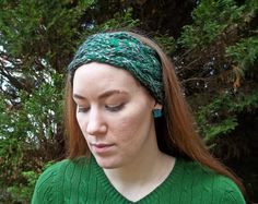 Don't get caught empty-handed with these 12 Days of Last Minute Christmas Gift Tutorials. Day 1 is a braided cable headband and ear warmer free knitting pattern.