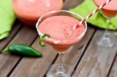 Watermelon Jalapeño Margaritas  suena raro! me cuentan si alguna lo hace jejejejej ;)