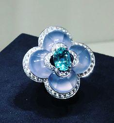 Gems Jewelry, High Jewelry, Luxury Jewelry, Diamond Jewelry, Gemstone Jewelry, Jewelery, Louis Vuitton Jewelry, Diamond Guide, Jewelry Design Drawing
