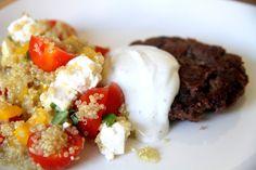 Bean patties with quinoa Healthy Habits, Quinoa, Feta, Mashed Potatoes, Grains, Rice, Breakfast, Ethnic Recipes, Whipped Potatoes