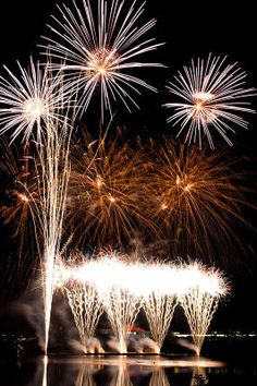 fireworks Leeny: BANG! I love that magic fizzy feeling when new ideas burst into life!