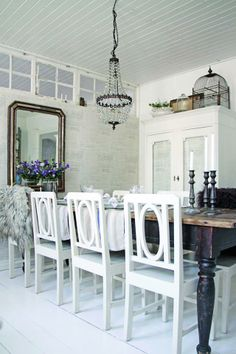 rustic french decor salon brocante antique salle à manger miroir miror cage armoire