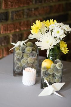 yellow and white daisies together? for centerpeice/bouquets?