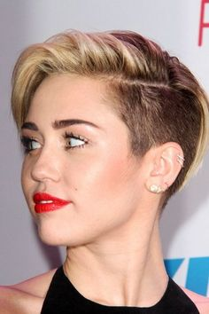 Miley Cyrus - Steal Her Style