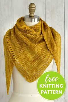 Onete is an easy to knit triangular scarf with a pretty eyelet edge. It's knit using one skein of Manos del Uruguay Fino yarn. Onete is an easy to knit triangular scarf with a pretty eyelet edge. It's knit using one skein of Manos del Uruguay Fino yarn. Free Knit Shawl Patterns, Scarf Patterns, Caron Cakes Patterns Knit, Knitting Patterns For Scarves, Knitting For Beginners, Easy Knitting Ideas, Simple Knitting, Knitted Shawls, Lace Shawls