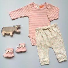 Organic cotton essentials in Blossom Stripe and Pollyanna Print. Happy Friday, everyone! ♡