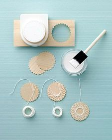 These are meant to be Christmas ornaments, but I think they would work beautifully as scrapbooking embellishments, don't you? You'll need a scallop punch, wood veneer and string to pull… Paper Crafts, Diy Crafts, Arts And Crafts, Christmas Crafts, Christmas Ornaments, Felt Christmas, Homemade Christmas, Christmas Decorations, Papier Diy