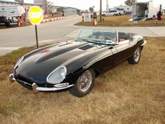 1966 Jaguar XKE 4.2. WANT.