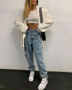 Cute Casual Outfits, Girl Outfits, Fashion Outfits, Outfits With Mom Jeans, Edgy Outfits, Look Fashion, Teen Fashion, Womens Fashion, Fashion Edgy
