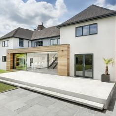 architecture runners house ar design studio Modern Extension Reshaping a Confusing Home Layout in Winchester, UK Kilham House was once a building with a confusing layout. AR Design Studio came up with the idea for a modern extension. House Extension Design, Extension Designs, Extension Ideas, Architecture Design, Studios Architecture, Layouts Casa, House Layouts, Design Exterior, Facade Design