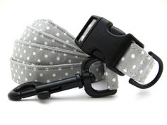 Rainy Day......Dog Collar and Leash Set. $32.00, via Etsy.