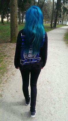 blue hair! Fantastic alternative girl