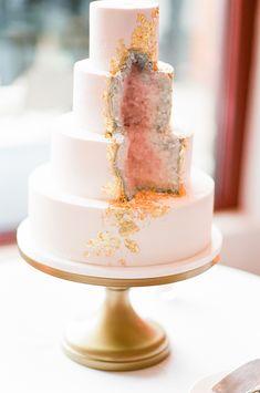 Geode inspired cake | Photography: Tamara Gruner