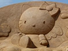 Hello Kitty Sand sculpture