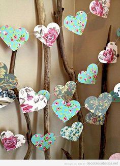 10 ft Paper Heart Garland - Vintage Shabby Chic Roses - wedding decoration, party decoration, baby shower decoration, high tea - Süße Vintage-Shabby-Chic-Herzkette als Hochzeitsdekoration – Empfohlen von www. Baby Shower Elegante, Shabby Chic Baby Shower, Baby Shower Vintage, Simple Baby Shower, Bodas Shabby Chic, Vintage Shabby Chic, Vintage Roses, Vintage Bridal, Vintage High Tea
