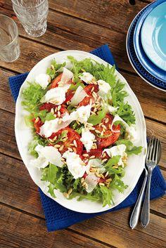 Uunitomaatti-mozzarellasalaatti | K-Ruoka