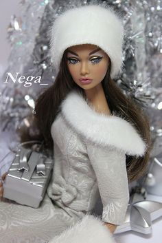 Barbie in white Fashion Royalty Dolls, Fashion Dolls, Poppy Doll, Diva Dolls, Dolls Dolls, Christmas Barbie, Mode Jeans, Poppy Parker, Barbie Collection
