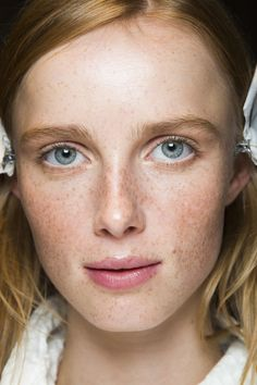 While Gucci's newest collection was all about the embellishments, the beauty look on the models was au natural