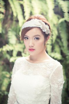 《Being of Love》Bridal headpiece by Being of Love beingoflove.irene@gmail.com 芭蕾舞孃羽毛結婚髪飾/新娘髪箍頭飾 - Being of Love | Pinkoi