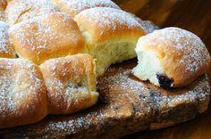 Buchtel pan brioche sofficissimo ripieno, marmellata, ricetta dolce, simil danubio, brioche da merenda, colazione, dolce triestino, facile da realizzare, al burro.