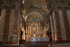 Esto es Buenos Aires Metropolitan Cathedral. Es un Cathredal católica.