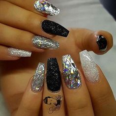 22 Nails That Feature Glitter Because Why Not - HashtagNailArt.com