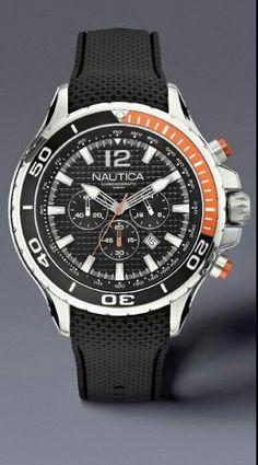 51342fae712b Los relojes NAUTICA usan corona enrroscable. Asegurate de que este  enrroscada para garantizar