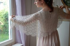 This is the shawl Matters of the Heart. It's knitted in Handmaiden Sea silk, colour Ivory. I've used size Miyuki seed beads Silverlined Light blush AB. The pattern can be found on Ravelry. Lace Knitting, Knit Crochet, Knit Lace, Sea Silk, Forever Book, Heart Patterns, Knitted Shawls, Beautiful Patterns, Vintage Lace