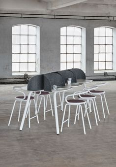 My Place table, design: Anders Berg, Steinar Hindenes, Petter Knudsen | Kaloo bar stool, design: Karim Rashid | Styling: Katrin Bååth | Photo: Sara Landstedt