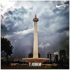 Afternoon run under light rain. #nikeplus #myrun #running #afternoonrun #afternoon #cloudy #rainy #heavycloud #instarunners #monas #monument #jakarta #landmark #city #indonesia