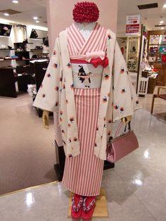 豆千代モダン 新宿店 Blog Mamechiyo Modern | Shinjuku Store | Blog Yukata Kimono, Kimono Japan, Kimono Outfit, Japanese Kimono, Kimono Fashion, Traditional Kimono, Traditional Dresses, Japanese Outfits, Japanese Fashion
