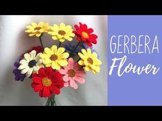 Cum să croșetați o floare de Gerbera Crochet Flower Tutorial, Crochet Flower Patterns, Crochet Motif, Crochet Flowers, Silk Flowers, Orchid Leaves, Gerbera Flower, Flower Bouquet Wedding, Flower Bouquets