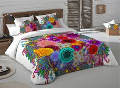 Woah, look at that blanket Funky Furniture, Home Decor Furniture, Diy Home Decor, Small Room Bedroom, Room Decor Bedroom, Mexican Bedroom, Designer Bed Sheets, Bohemian Bedroom Decor, Guest Bedrooms