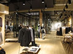 Esprit lighthouse store by Reich and Wamser, Cologne