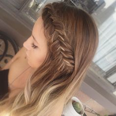 My fav #braid #hairstyle on my main squeeze @brittleno ❤️👯🌺 Perfect way to keep your hair out of your face with all this hot hot weather ☀️☀️ #vancity #dutchbraid #fishtail #fishtailbraid #braidsandbalayage #braid #hair #balayage #curls #wavyhair #style #hairdresser #dutchfishtail