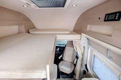 Globe-Traveller Pathfinder to linia modelowa, składająca z trzech wersji nadwozia polskiego kampera. Testujemy najkrótszą z nich - model Pathfinder XS... Motorhome, Car Seats, Globe, Vans, Travel, Model, Van Camping, Speech Balloon, Viajes