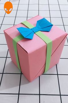 diy box Gift Box Origami For Christmas - DIY Tutorials Videos Origami Gift Box, Paper Crafts Origami, Diy Gift Box, Diy Origami, Origami Tutorial, Diy Paper, Diy Tutorial, Diy Crafts Hacks, Diy Crafts For Gifts
