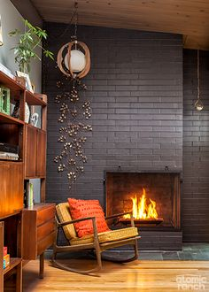 Looking for the touch of the dramatic? Embrace dark colors and cool tones to give your furnishings and architectural details a powerful impact.