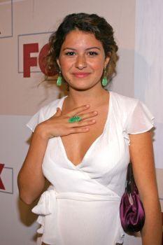"Arrested Development - Maeby Fünke {Alia Shawkat} ""Marry me! Alia Shawkat, Marry Me, Astronaut, Hollywood Actresses, Pretty Face, Handsome, Nude, Female"