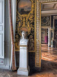 Buste de Julien, aide de camp de Bonaparte, Empire Rooms, Versailles
