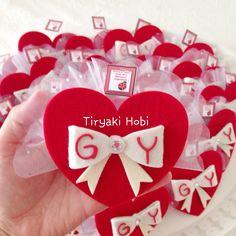♥ Tiryaki Hobi ♥: keçe nişan magneti / nikah şekeri (gamze & yakup ) -------  felt wedding favors