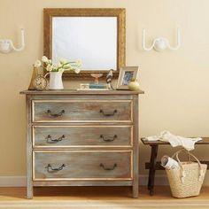 A pátina é um acabamento muito usado em móveis e a pátina lavada tem uma leveza que agrada bastante. Aprenda e faça.