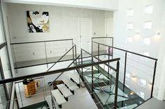 Passerelle en étage Glass Walkway, Glass Bridge, Mini Loft, Glass Floor, Mountain Homes, Cottage Interiors, Modern House Design, Smart Home, Architecture