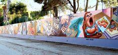 The great wall of Los Angeles, een community art project waarbij zowel een link word gelegd met imigranten en andere minderheden, en omwonende die bij dit project hebben geholpen. sparcinla.org/the-great-wall-part-2/