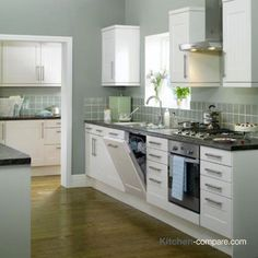 Barto is a distinguished and versatile kitchen, accented with a stylish tongue-and-groove design in a soft cream finish, which is perfect for family living. Kitchen Sale, Shaker Kitchen, Diy Kitchen, Kitchen Decor, Ivory Kitchen, Tiny House Appliances, Kitchen Appliances, Kitchen Sink Design