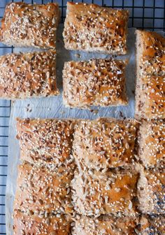 Banana Bread, Scones, Food And Drink, Baking, Dinner, Desserts, Ol, Bread Making, Dining