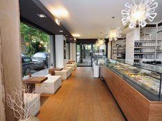 Modern Coffee Shop Interior Design and Bar Furniture #moderninteriordesigncafe #coffeeshopinteriors #coffeeshopdesign