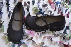 http://www.camminaleggero.com/catalogo/donna/ballerina-mary-jane-nera-grease